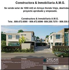 Constructora & Inmobiliaria A.M.G. Se vende solar de 1050 mt2 en Arroyo Hondo Viejo, deslindado, con proyecto aprobado y empezado.  Constructora & Inmobiliaria A.M.G. Tels:. 809.472.6595 - 809.472.6596- 809.258.7370 - 809.330.5870