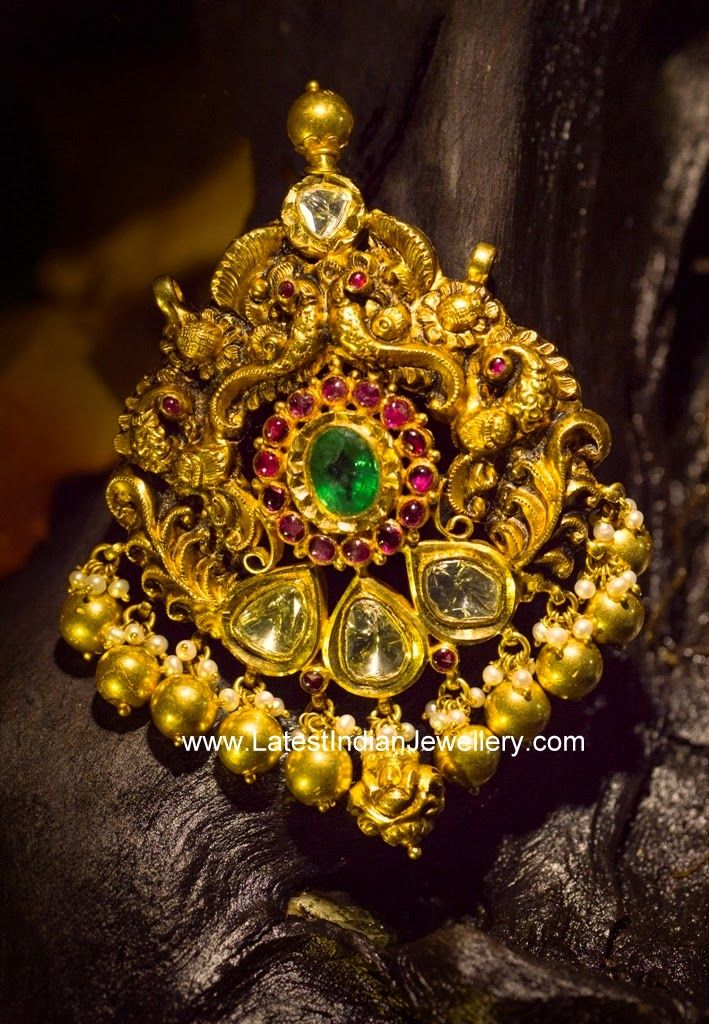 Pachi diamond adorable antique pendant indian jewelry pendants antique gold designer pachi pendant in beautiful traditional design etched in 22 karat dull finished gold with precious raw polki diamonds aloadofball Image collections