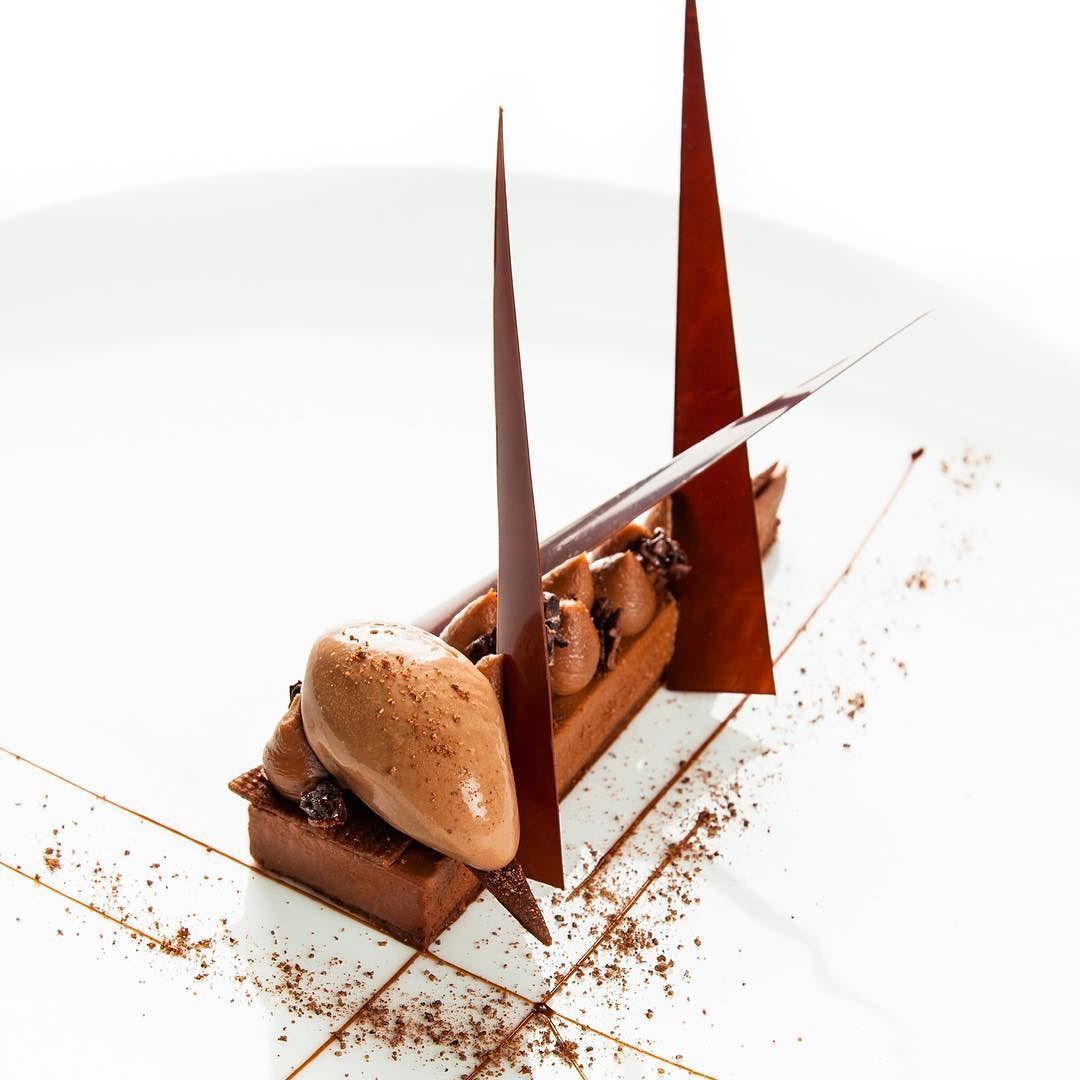 70 % de chocolat noisette et grué de cacao !  #Taillevent #chocolat #gruedecacao #noisettes #gourmandise #francoisdaubinet by francoisdaubinet