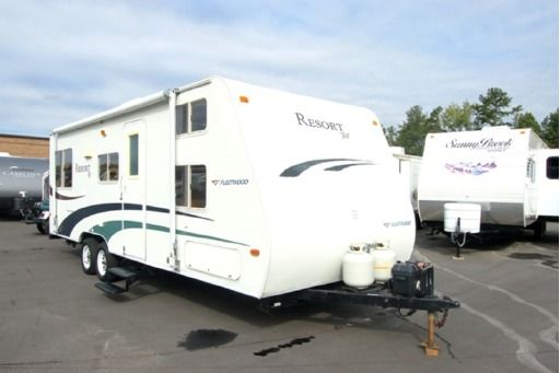 Check Out This 2005 Fleetwood Rv Resort Tnt 25qb Listing In Buford