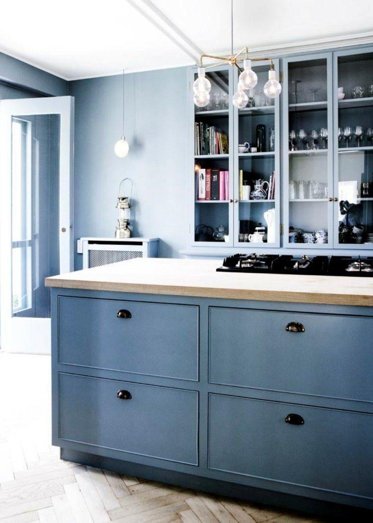 Peindre Plan De Travail En Bois peinture bleu gris à l'intérieur- le bleu pigeon et le bleu