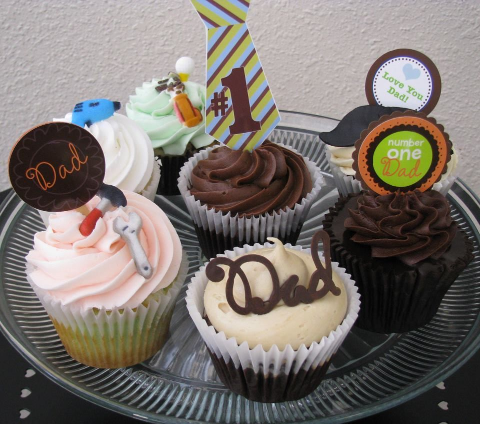 Father's Day Cupcakes from In the Middle Cupcakes