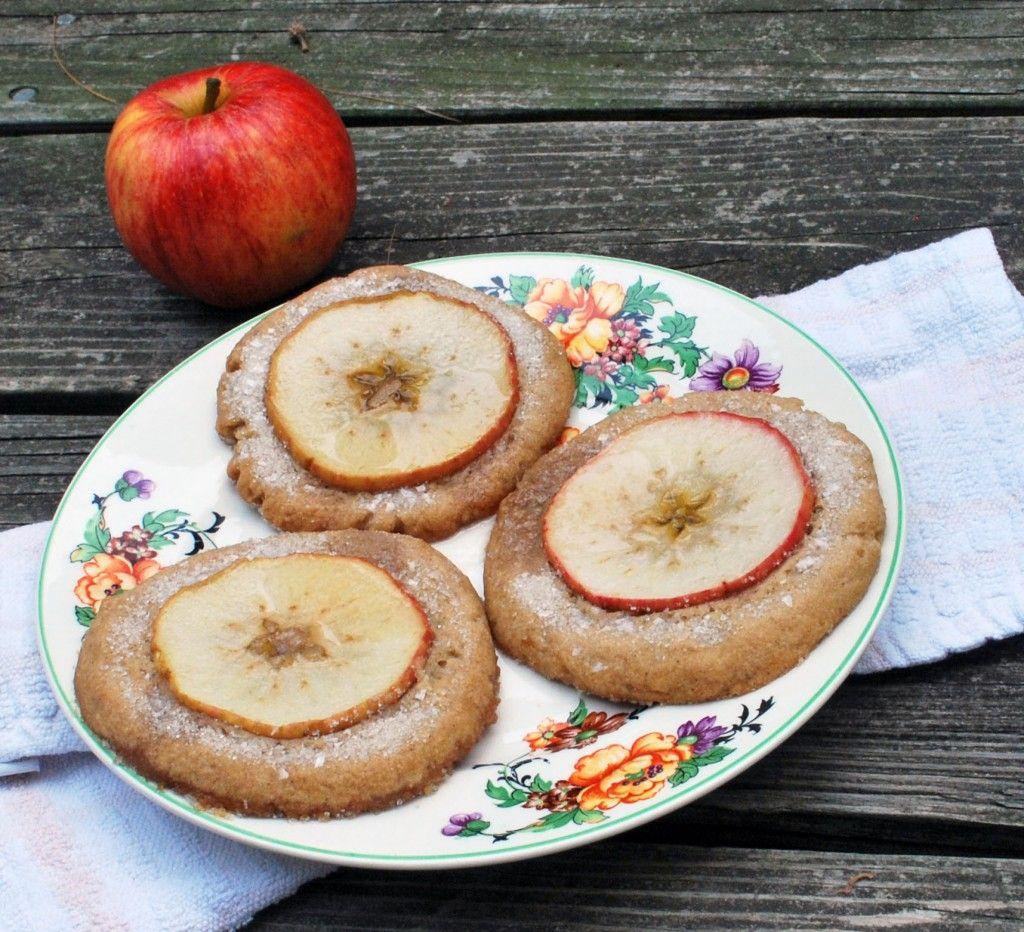 Fantastic Mr Fox Nutmeg Ginger Apple Snaps Recipe Fox Cake Ginger Apple Ginger Snap Cookies