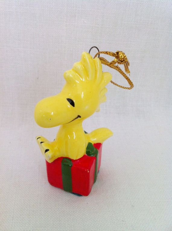 1996 Peanuts SNOOPY WOODSTOCK CHARLIE BROWN CHRISTMAS ORNAMENT BOOK w// 5 Ornmnts