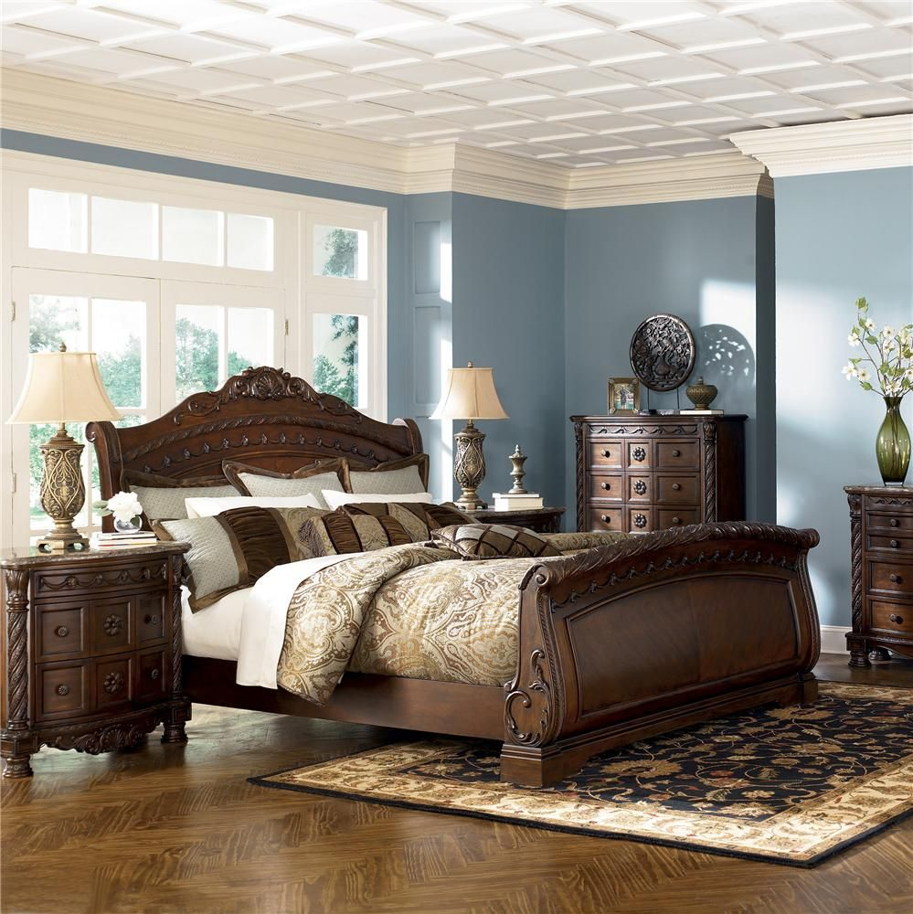North S Queen Sleigh Bed By