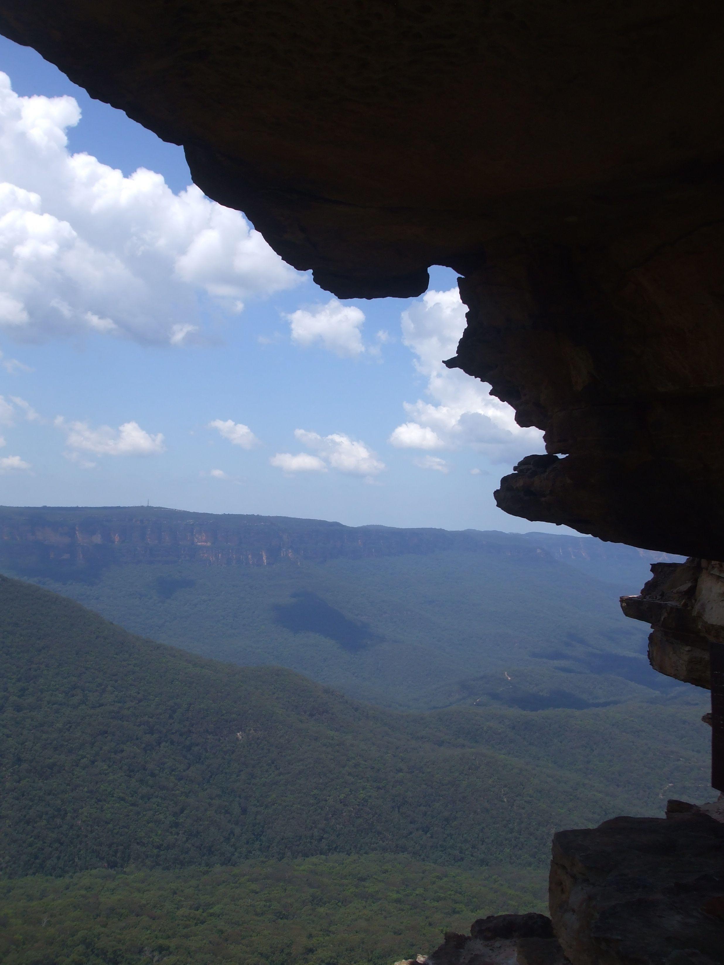 I love the way the cliff edges the sky. Katomba Sydney, NSW