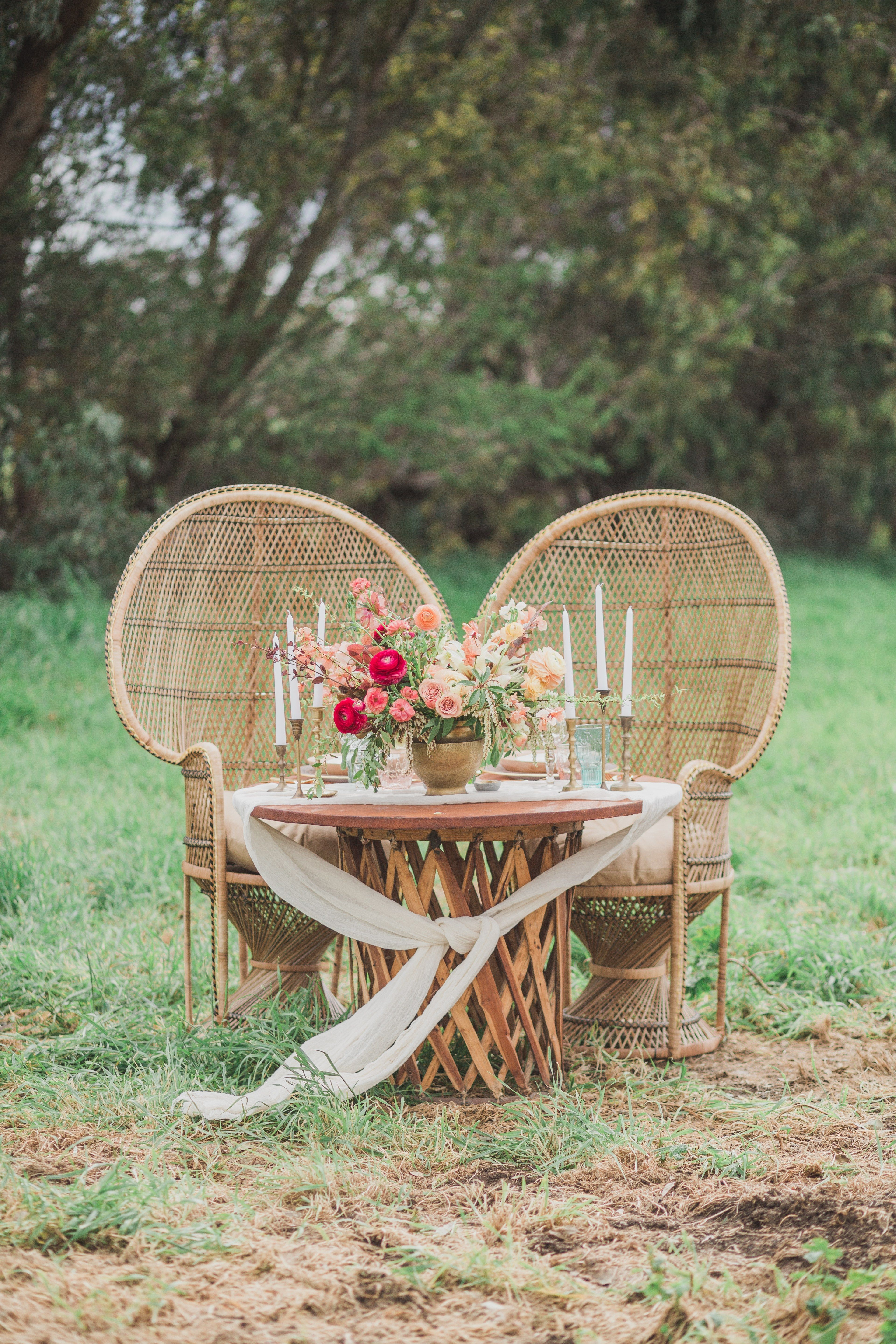 Your Ultimate Guide to Wedding Chair Rentals Brides