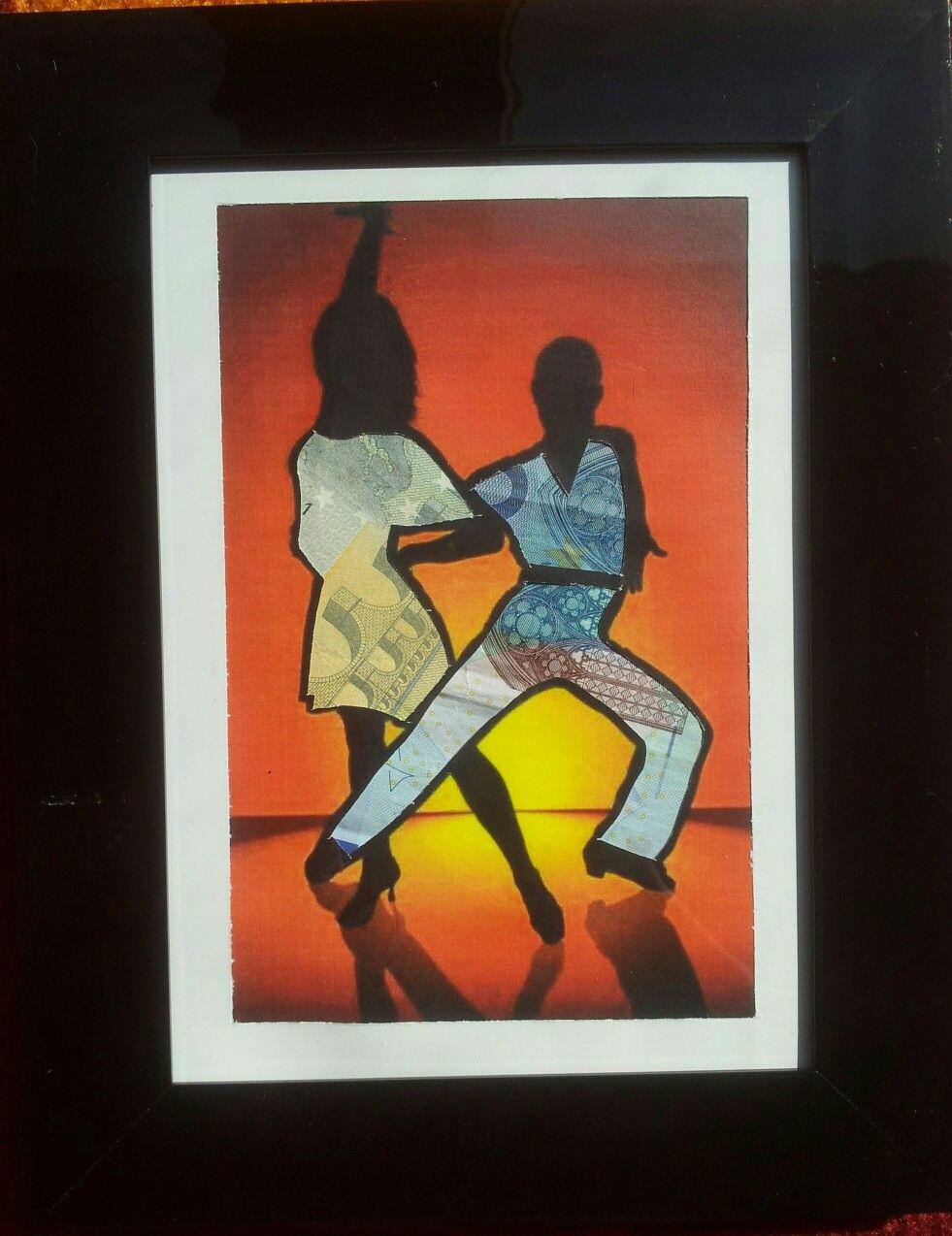 Was schenkt man einem Tanzpaar das schon Tanzschuhe hat… Geld für neue Schuhe. Tanzpaar als Scherenschnitt ausschneiden. Mit Geldscheinen hinterkleben und das ganze schützend in einen Glasbilderrahmen verpacken.