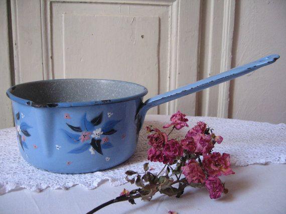 Ancienne casserole en m tal maill bleu d cor fleurs for Deco campagne francaise