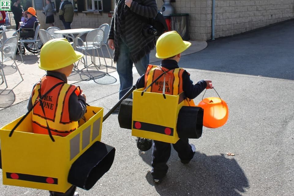 Construction party costumes/ kids digger costume & Construction party costumes/ kids digger costume | Halloween ...