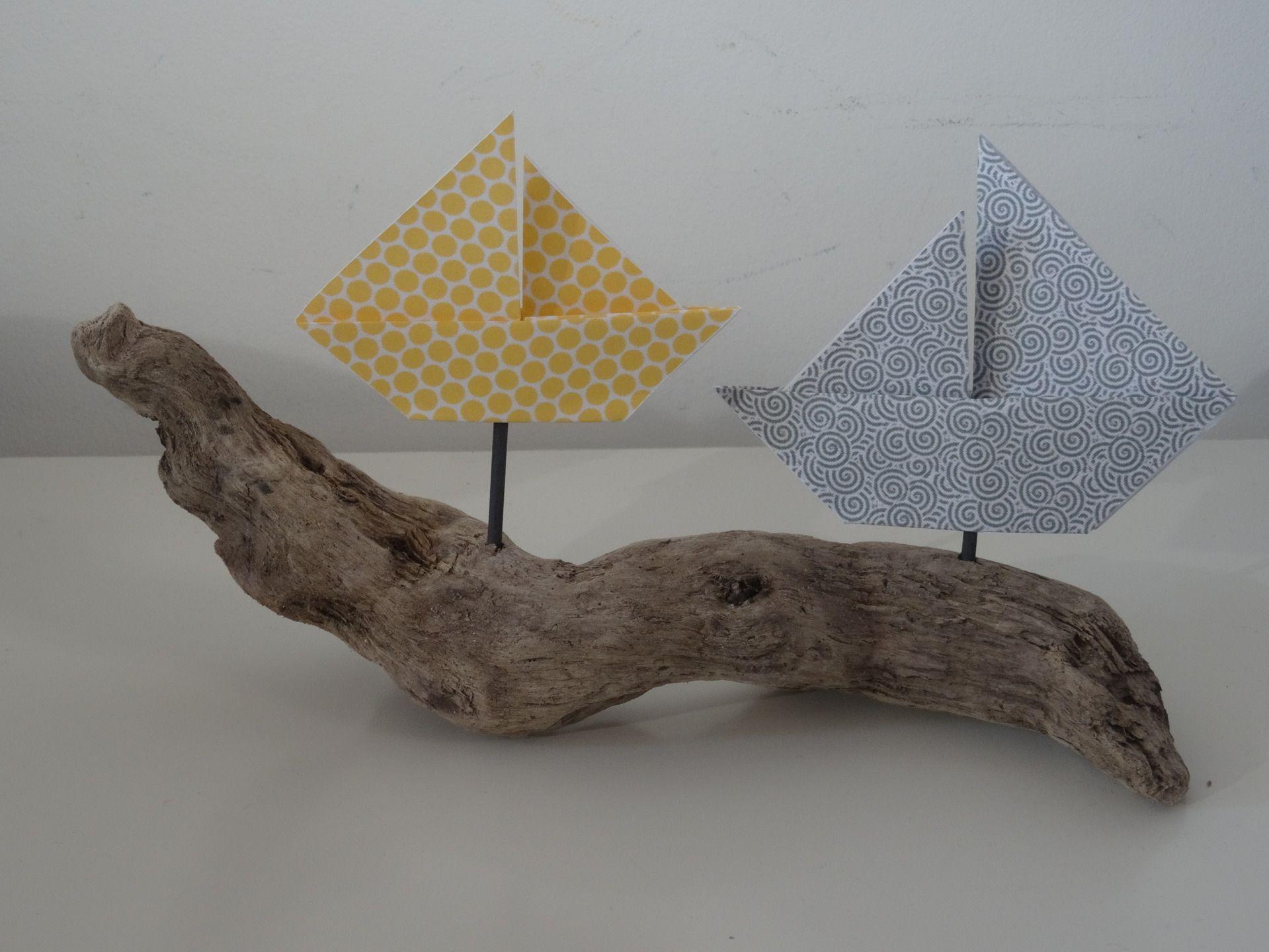 d coration bateaux origami sur bois flott dans les tons gris jaune moutarde accessoires de. Black Bedroom Furniture Sets. Home Design Ideas