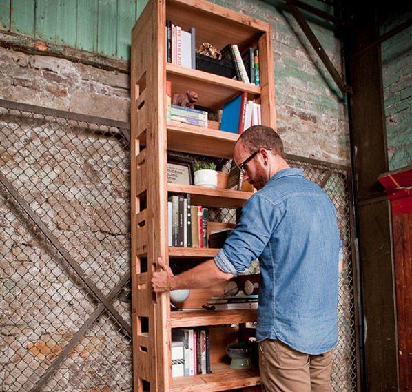 Casal constrói a própria casa com materiais recicláveis e reaproveitados