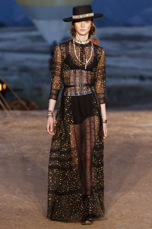 9775c8edad3 Christian Dior Resort 2018 Collection Photos - Vogue