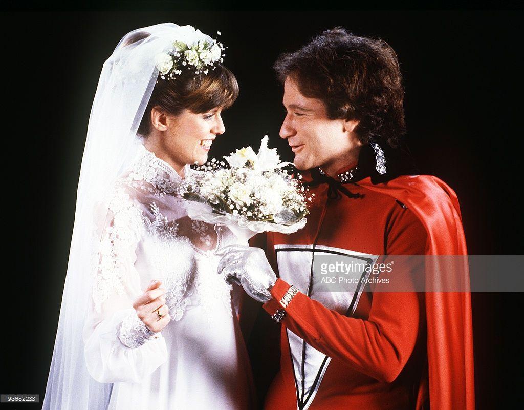 Mork Mindy The Wedding Season Four Robin Williamindy Pam Dawber Were Finally Married