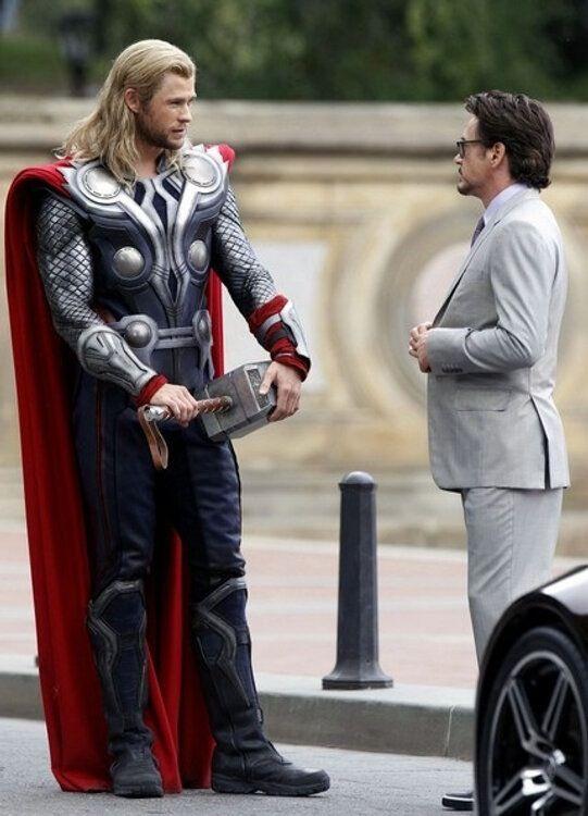 Thor and Tony chillin