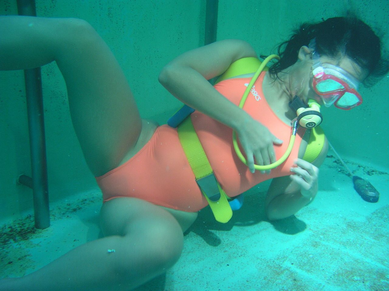 underwater sex in scuba