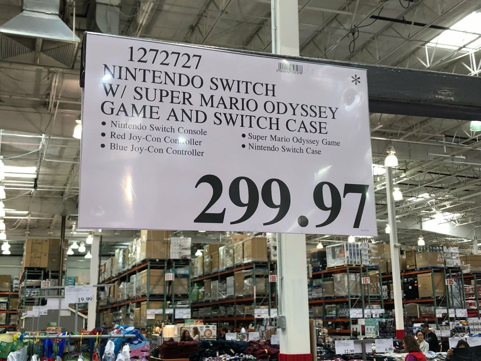Nintendo Switch With Super Mario Odyssey And Case 299 97 Costco Clearance Nintendo Switch Super Mario Nintendo Switch Case İlk modelde the legend of zelda: super mario nintendo switch