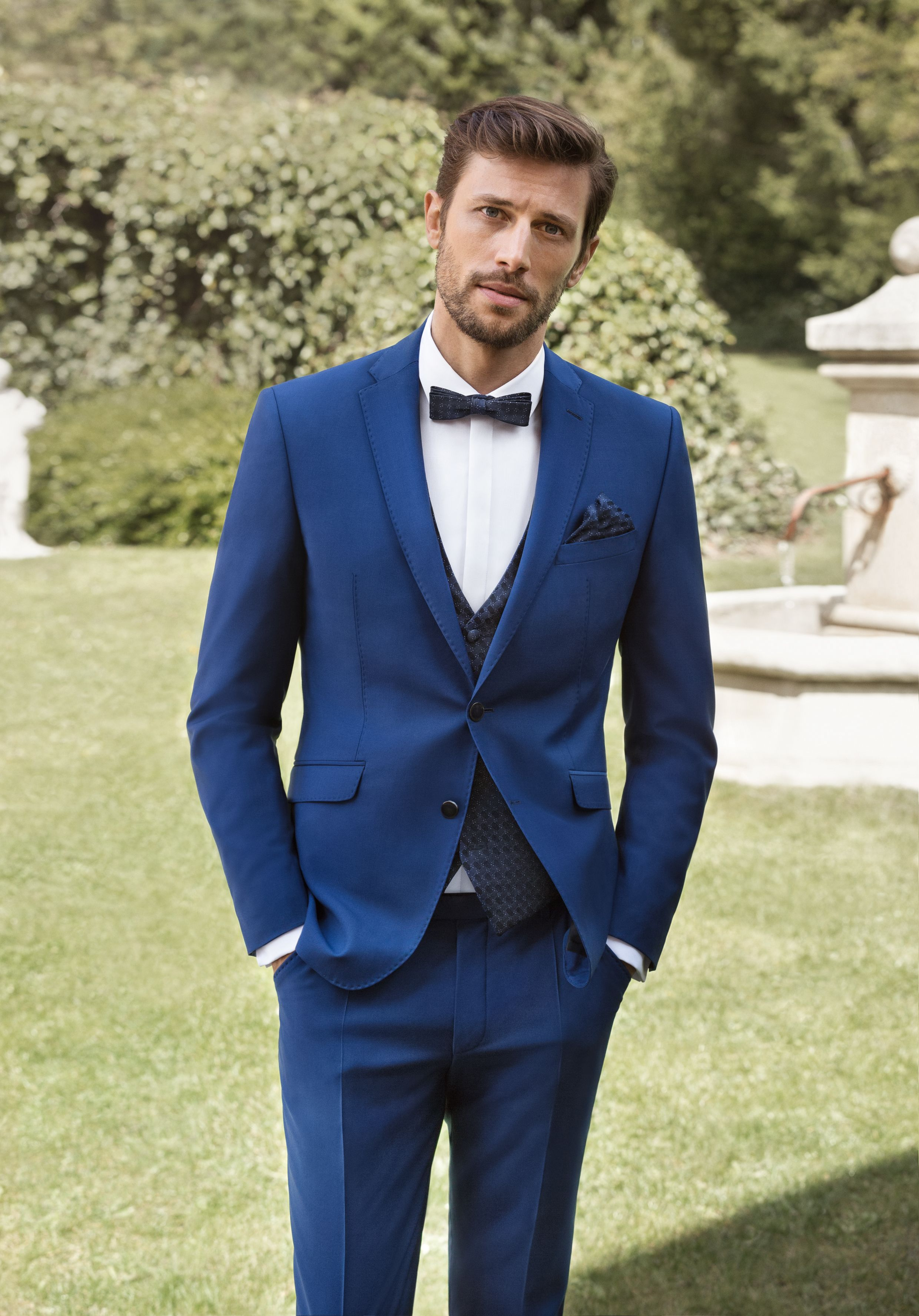 2019的blau Schwarzer Hochzeitsanzug Im Slim Fit Schnitt Aus Der