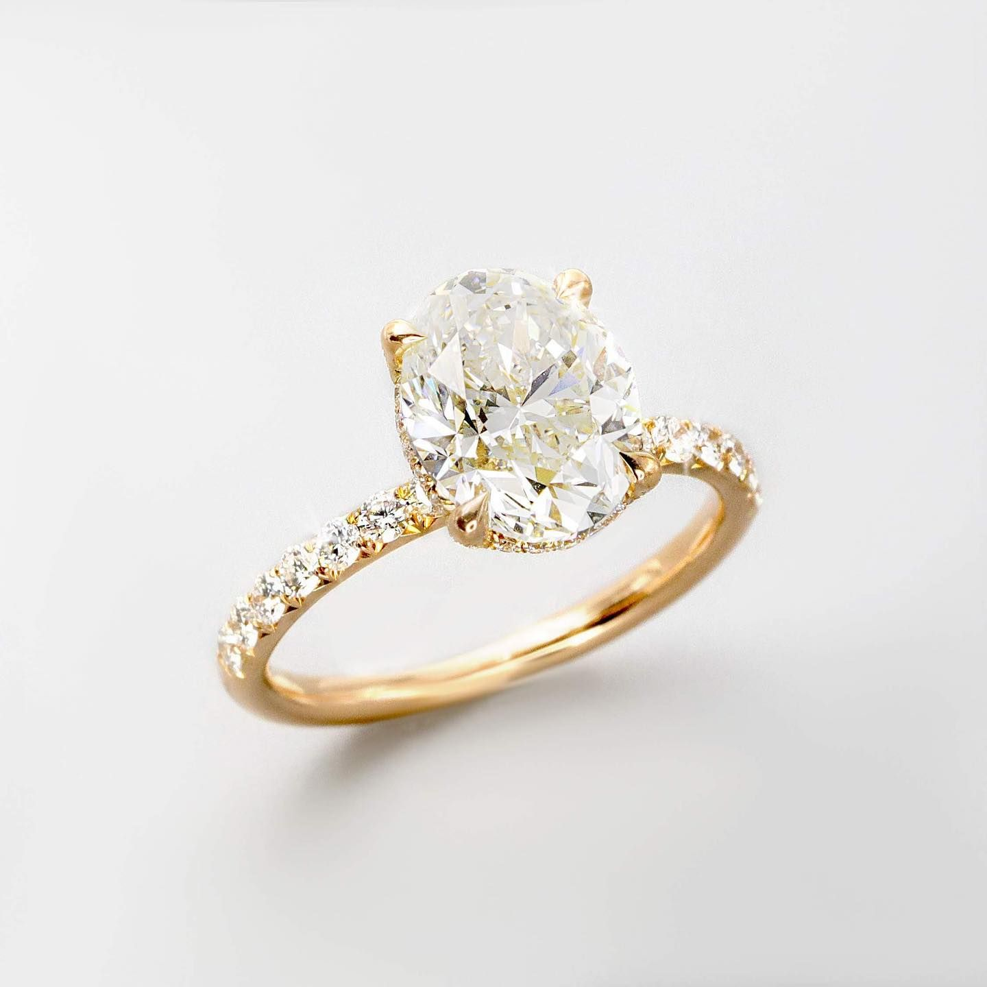 Ring Goals 3 Carat Gia Certified Oval Diamond Set In A 18k Yellow