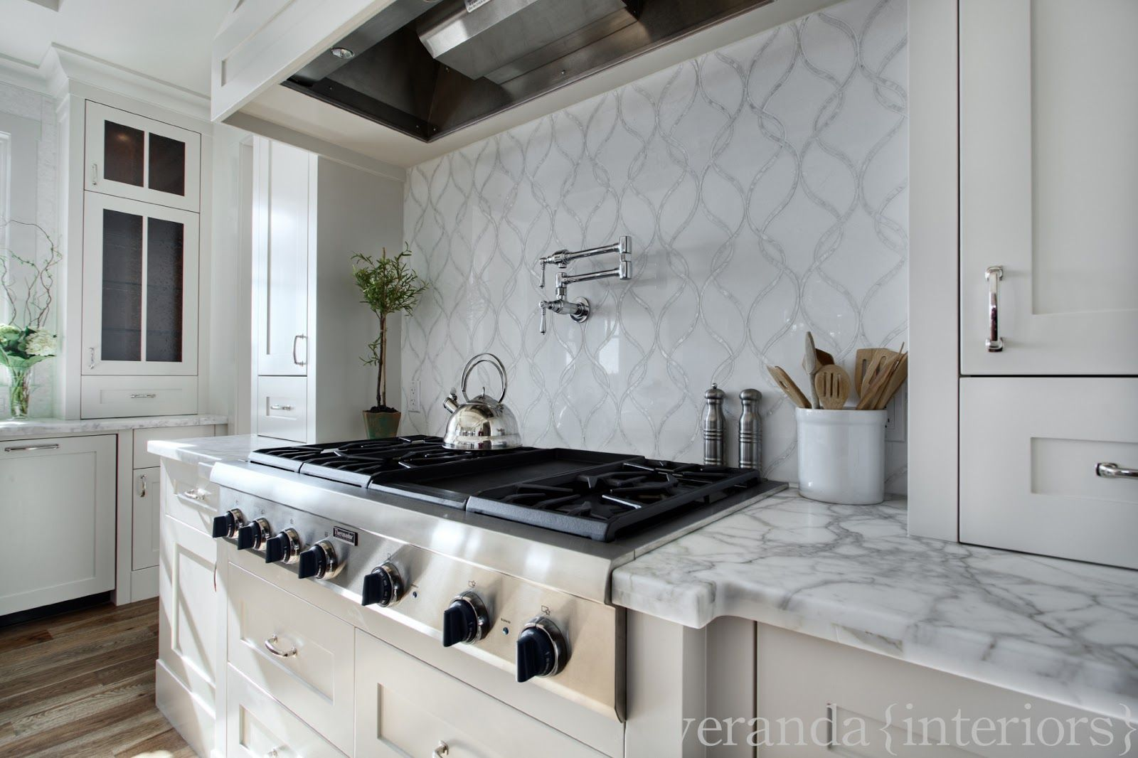 Marble Backsplash Ideas Part - 18: Surprising White Marble Kitchen Backsplash With Wave Pattern Marble  Backsplash And White Wooden Kitchen Cabinets And Built In Stoves. Alluring  Design Ideas ...