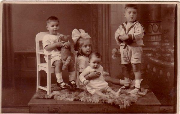 Egbert, Johanna Anthonia, Ludovicus Louis and Gerardus van Paridon, 1924