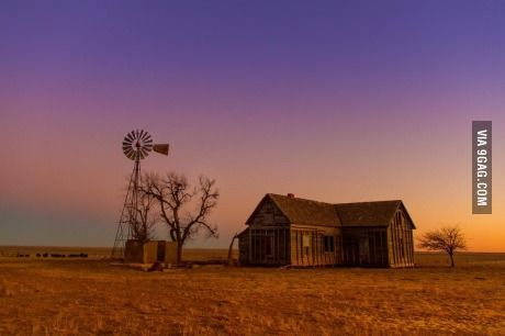 Real Life Courage The Cowardly Dog House Farmhouse Wallpaper