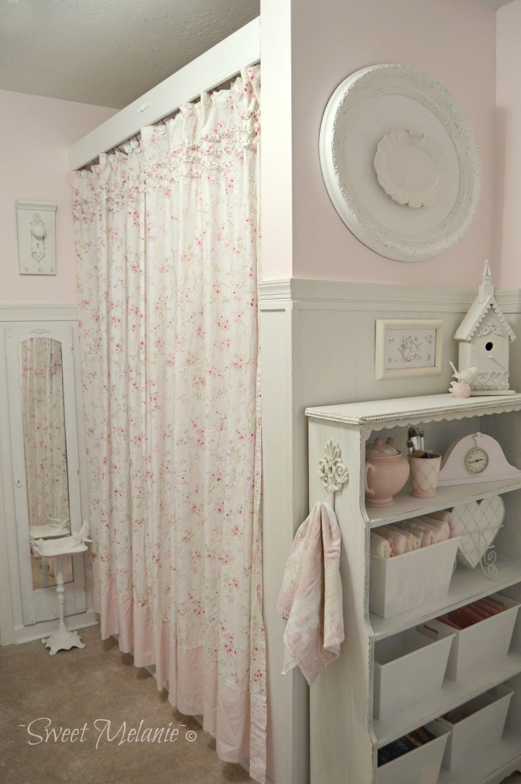 Box Doccia Shabby Chic.Years Ago We Added A Ledge To Our Bathroom Window I Loved