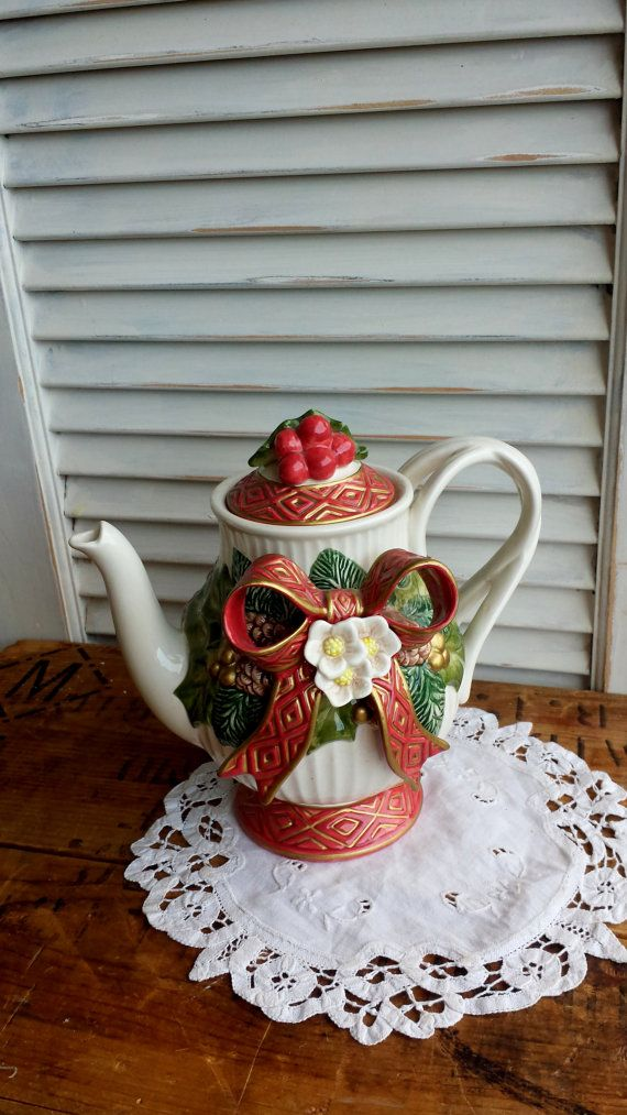Collectible Fitz and Floyd Christmas Pitcher from 1990\u0027s Teapots