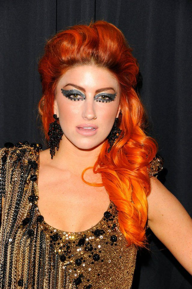 neon hitch.  love. her.