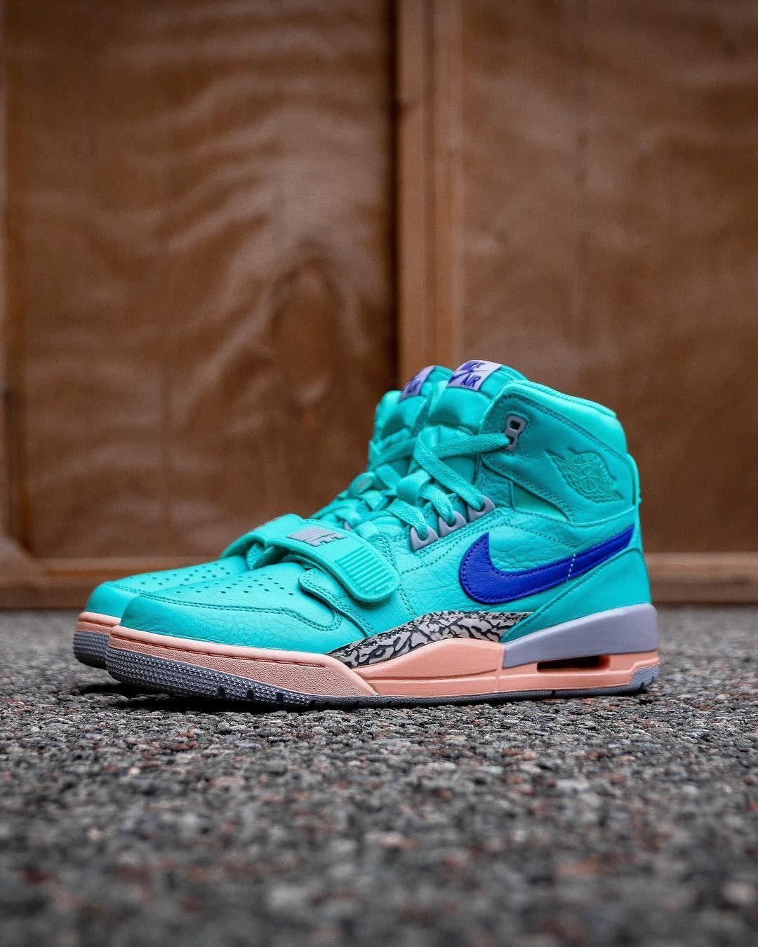 Foot locker, Custom sneakers nike, Sneakers