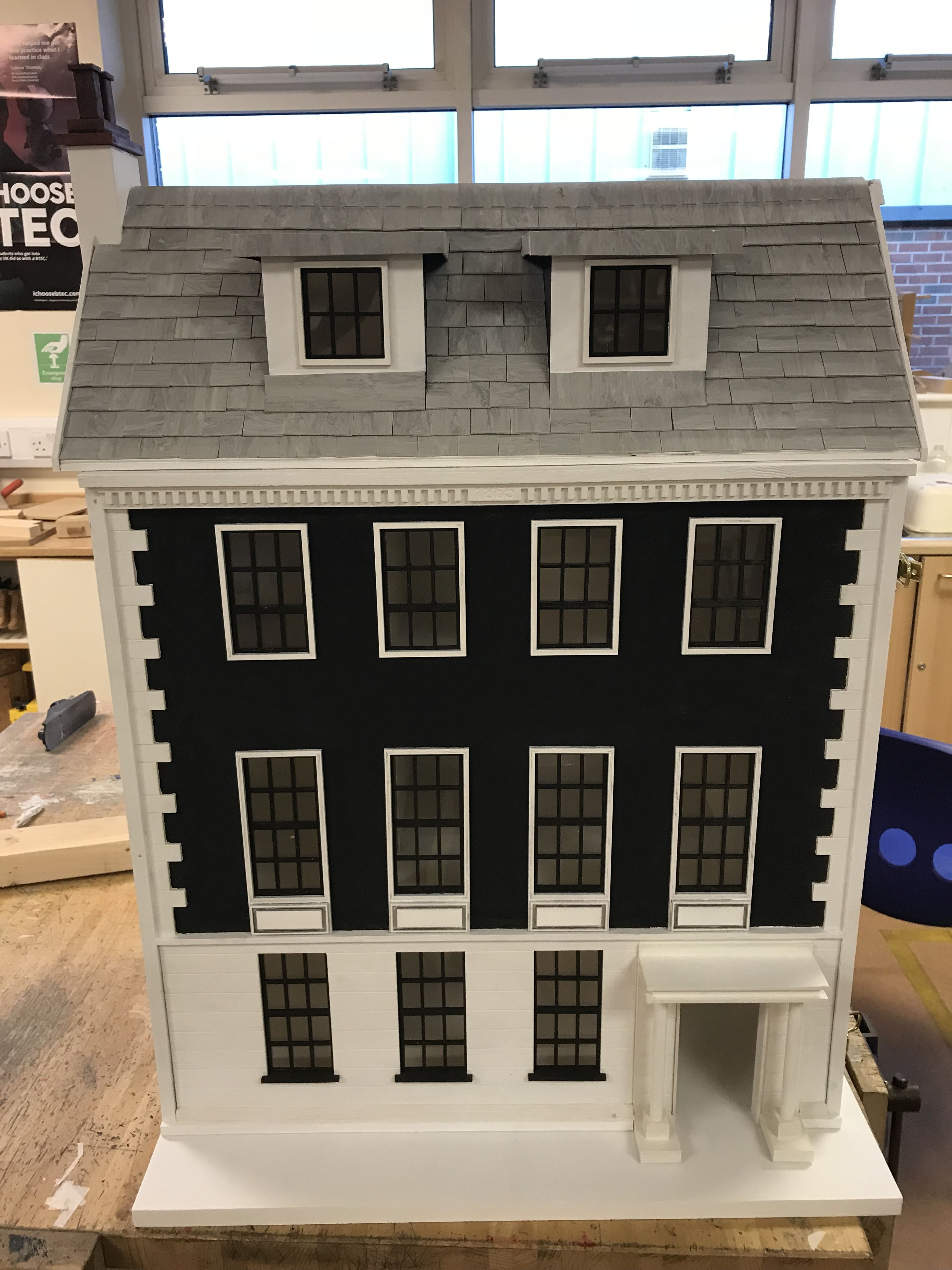 Pin By Rob On Diy Dolls House 1 16 Scale Diy Dollhouse Diy Doll Doll House