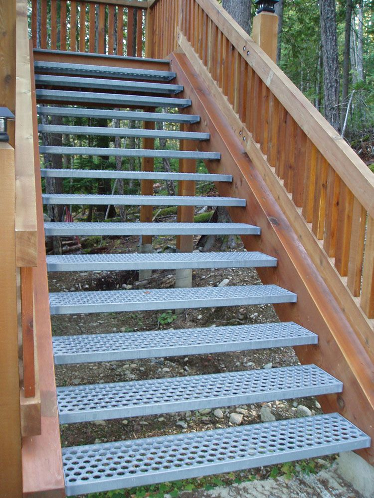 Non slip non shovel galvinized steel stair tread for Garden decking non slip