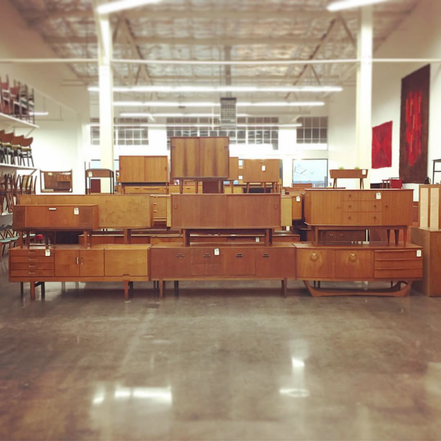 Mid Century Mobler Is A Berkeley Based Vintage Furniture Dealer That Operates Like Reverse Vikings They Raid Mid Century Mid Century Modern Mid Century Style