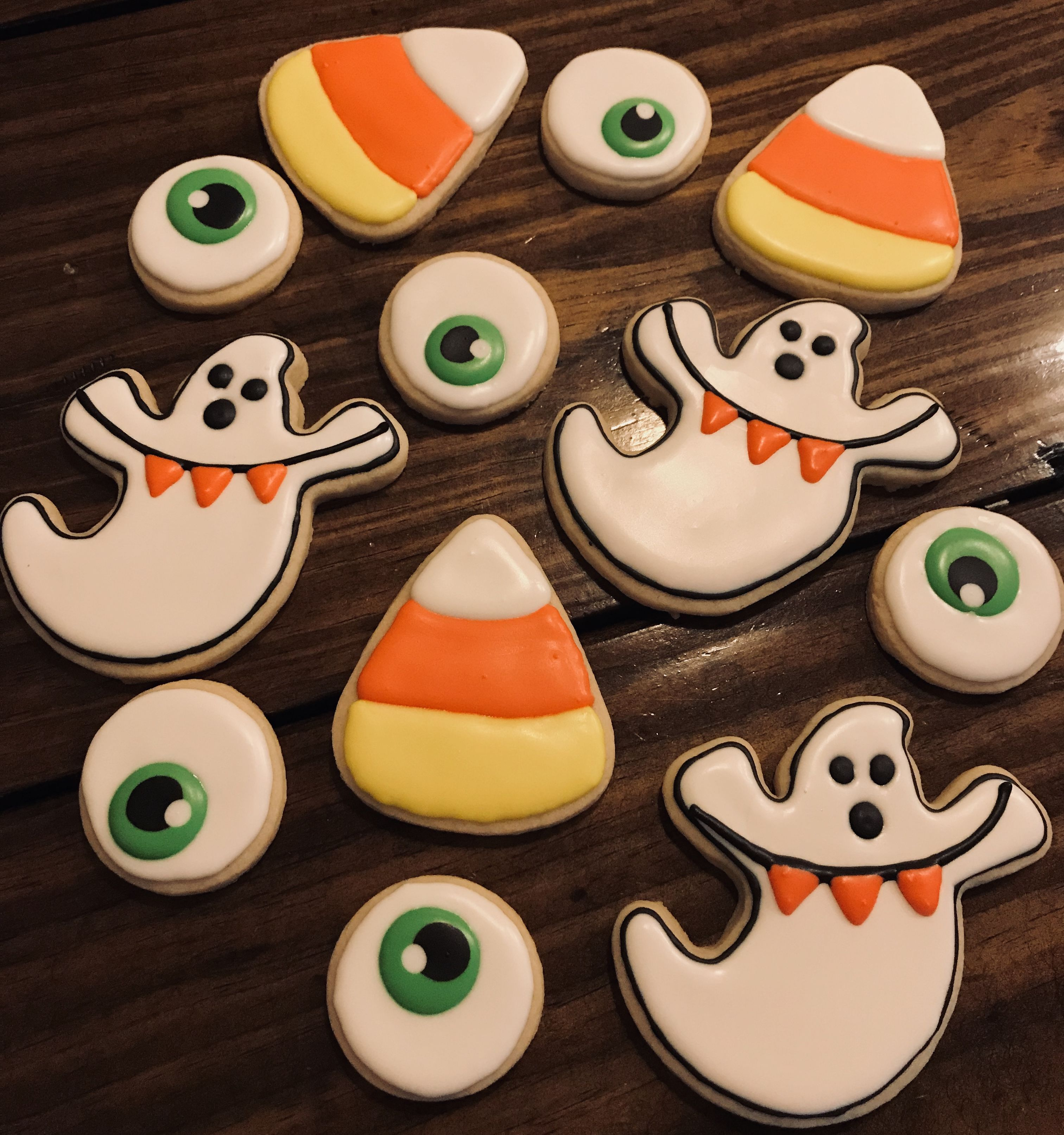 Halloween Ghost Candy Corn Eyeball Decorated Royal Icing Sugar Cookies #candycorncookies Halloween Ghost Candy Corn Eyeball Decorated Royal Icing Sugar Cookies #halloweensugarcookies