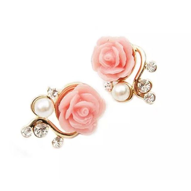 Pink And White Roses With Pearls Earrings
