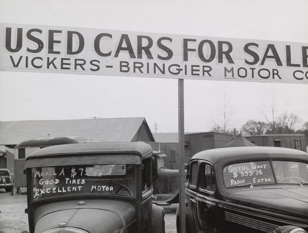 Used Cars for Sale at service station, Alexandria