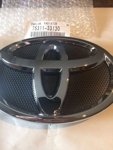 Genuine Toyota Camry 2007 2009 Front Grille Emblem Factory Oem Part 75311aa130