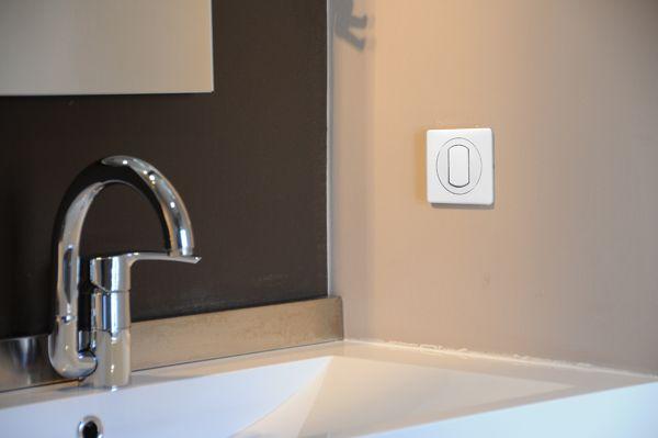 Информационная розетка Celiane - быстрый Интернет и элегантность для - prise de courant dans salle de bain