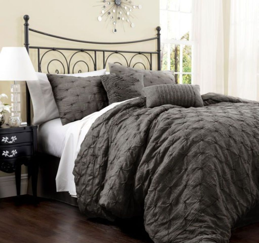 Grey Bedroom Ideas With The Perfect Comforter Cream Wall Color And Textured Grey Comforter Fo Comforter Sets Queen Size Comforter Sets King Size Comforter Sets