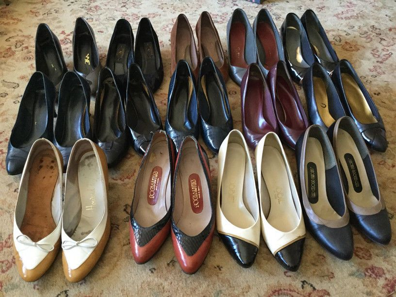 Lot of 14 pairs of vintage womans high heel shoes - size 5.5 https://t.co/Fd7UREI9Bo https://t.co/WJZxi3D4w9