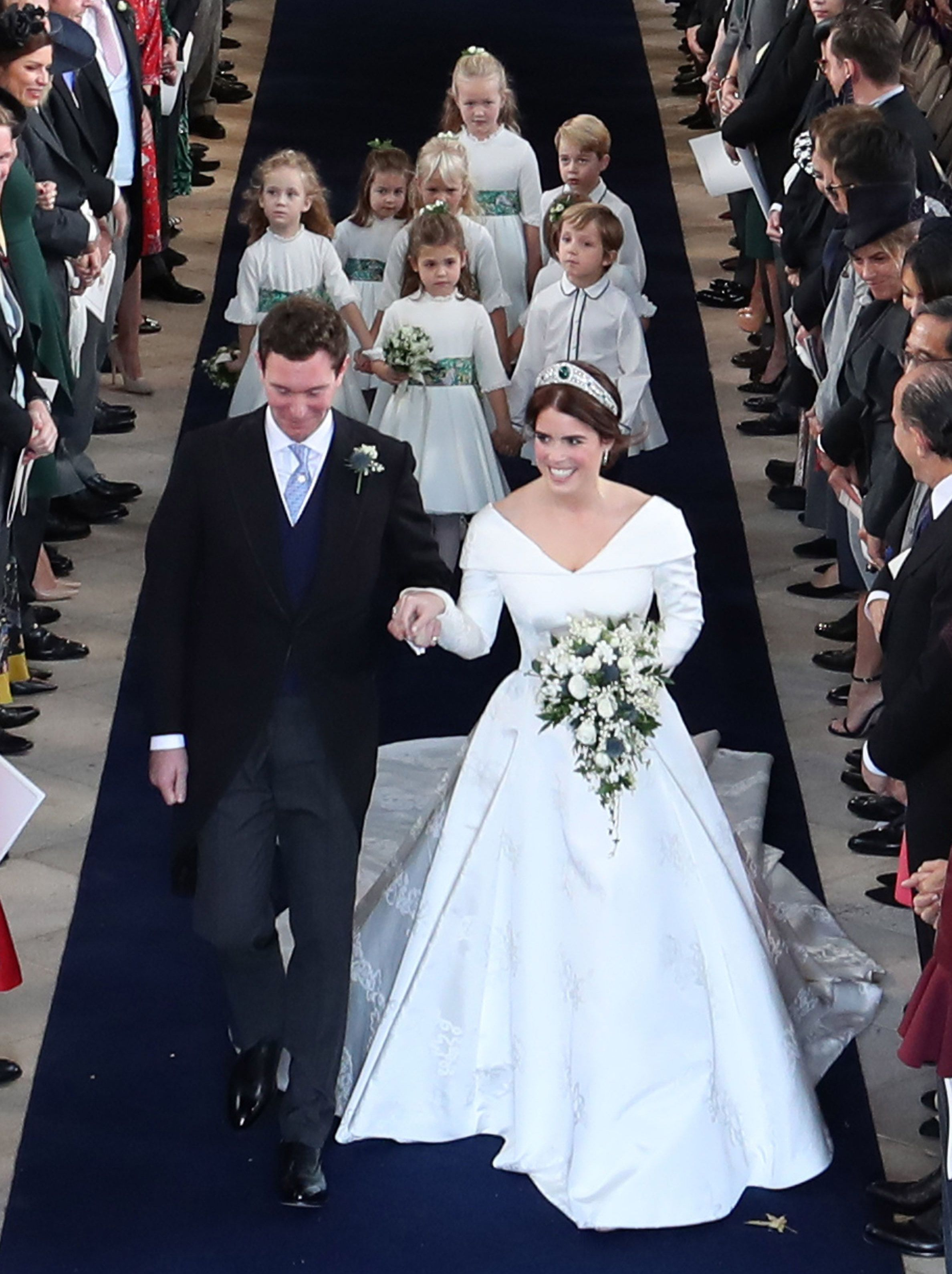 Princess Eugenie S Walk Down The Aisle Was A Seismic Moment After Scoliosis Surgery At Age 12 Eugenie Wedding Royal Wedding Gowns Royal Wedding Dress [ 3178 x 2376 Pixel ]