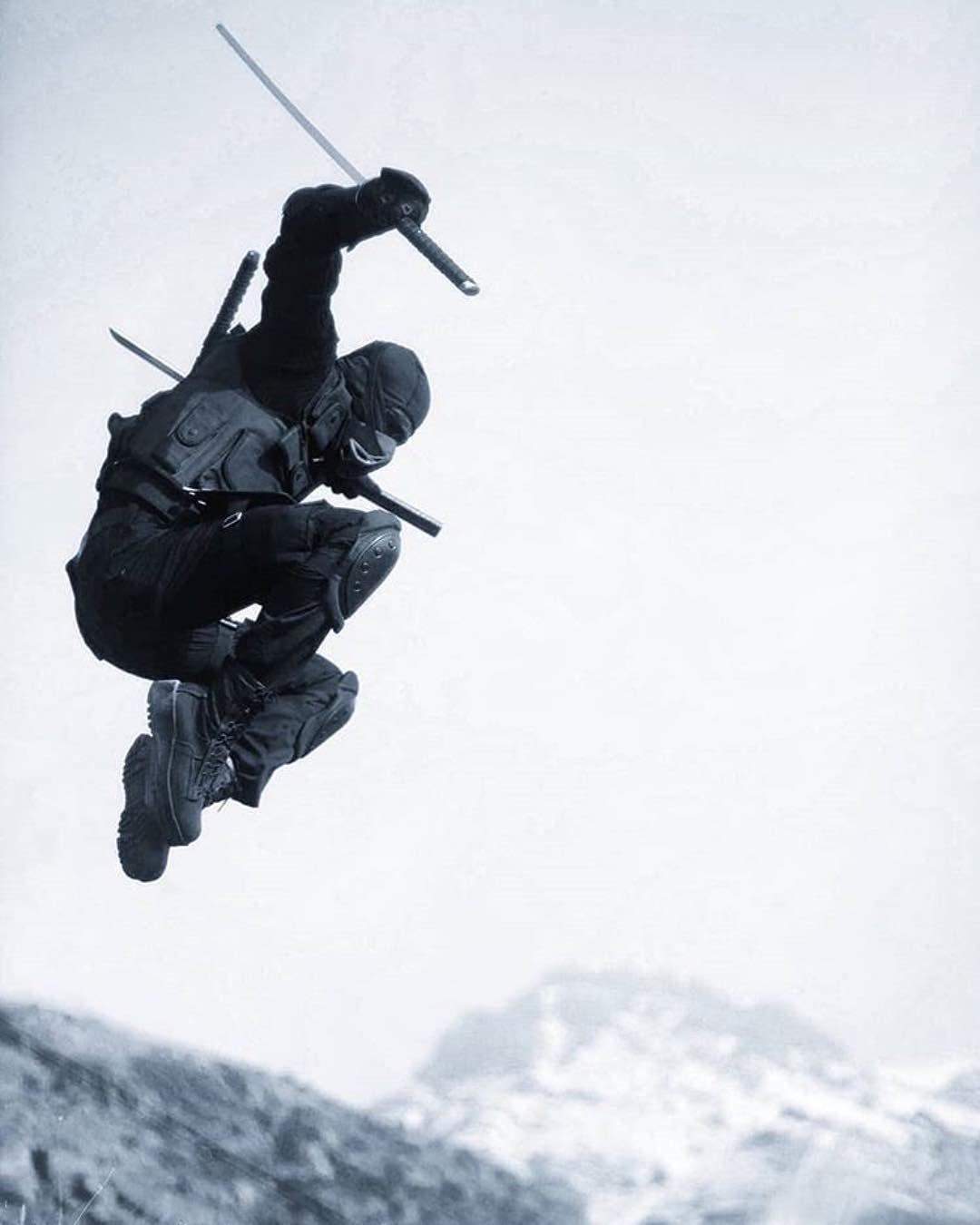 "KatanaMart on Instagram: ""#Repost @ninja.media ・・・ Repost @psychologym  #ninja #ninjutsu #taijuts..."