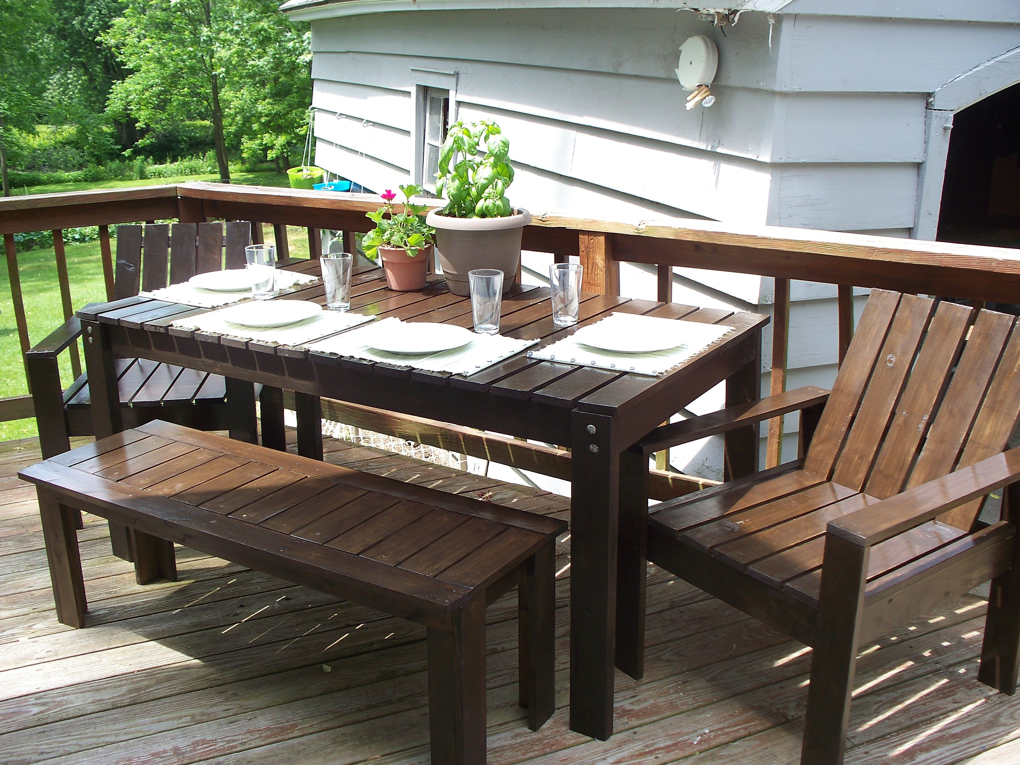 Simple Outdoor Dining Table Diy Patio Furniture Diy Outdoor