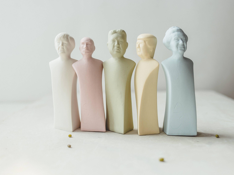 Donald Trump Vladimir Putin North Korea Ceramic Sculpture Desk Accessories History Gift Queen Elizabeth Doll Merkel Salt And Pepper Shakers