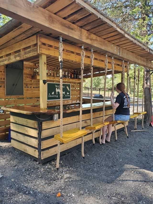 My Future Husband Is Good At Building Stuff En 2020 Bar Fait Maison Meuble Jardin Palette Idees Pergola