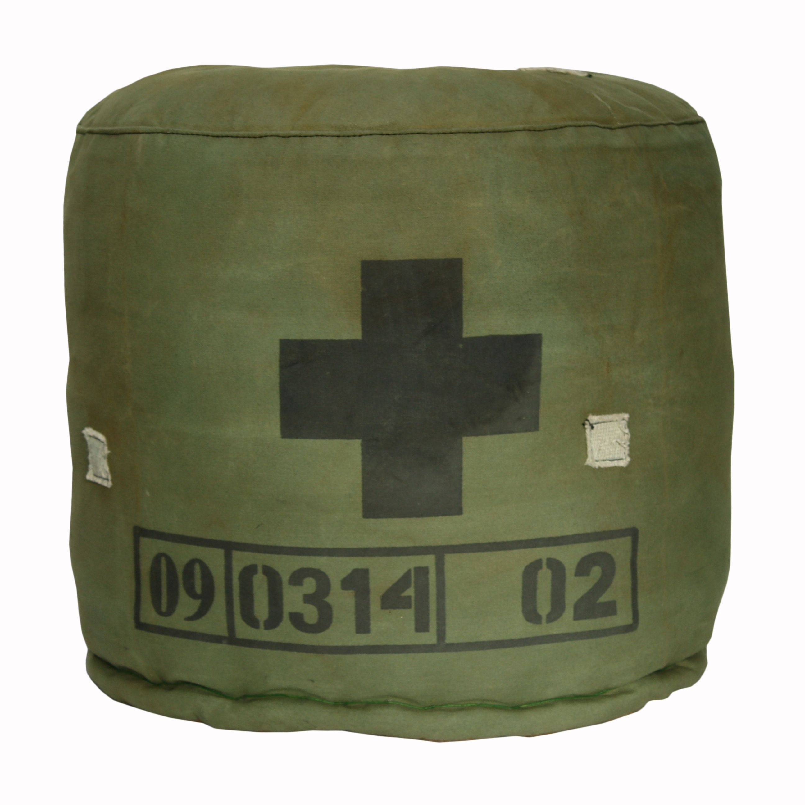Perfect Wouldnu0027t This Be Cute For A Boyu0027s Room?   Recycled Army Tent Canvas Design Ideas