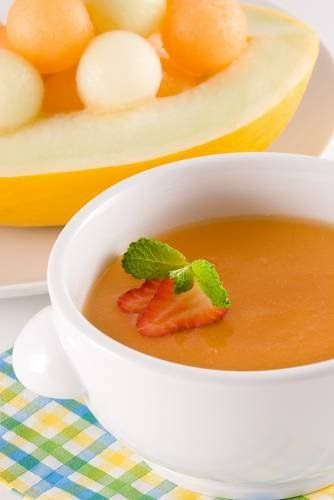 Zupa melonowa z białym winem