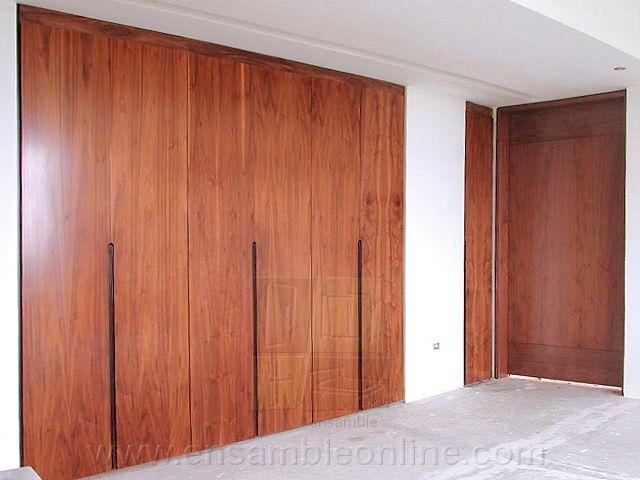 Puertas de closet en madera de tzalam closets for Disenos de puertas de madera para closets