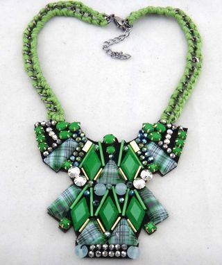 Maxi colar com cristais verdes