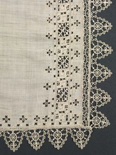Italy, Genoa, 16th century, lace, needlepoint and bobbin: linen, Average: 81.60 x 245.70 cm (32 1/8 x 96 11/16 inches). Gift of J. H. Wade 1920.1171